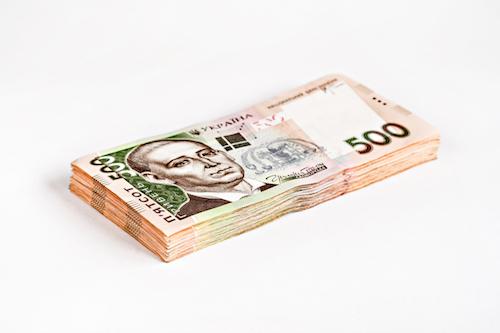 Стоит ли спешить покупать доллары